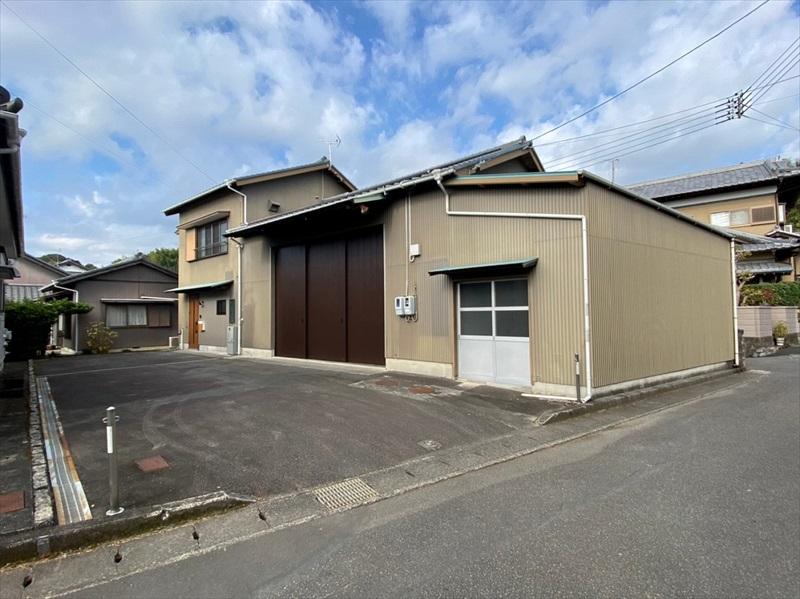 【島田市伊太】ガレージスペース付きリノベーション住宅